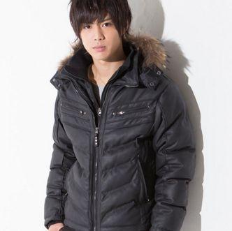 11e3f21d57dc7 ダウンジャケットを冬に愛用している男性は多いですが、